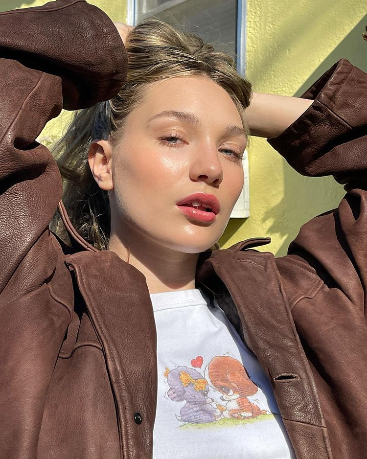 Contact Maddie Ziegler Phone Number, Address, Email, Social Media