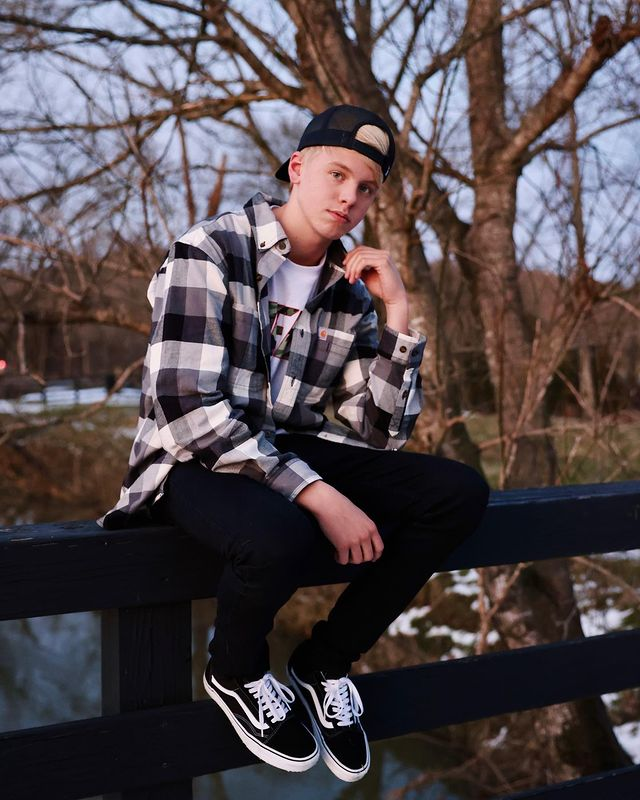 Carson Lueders Phone Number, Contact Email, House Address, Biography